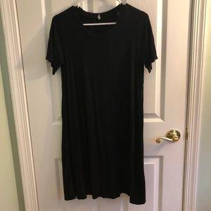 black tshirt dress sz M (8-10)